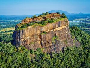5D4N Negombo, Sigiriya, Kandy & South Beach Tour Packages